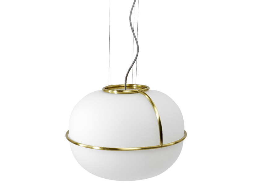 Lampada a sospensione in vetro sabbiato L88 | Lampada a sospensione by Monolithe Edition