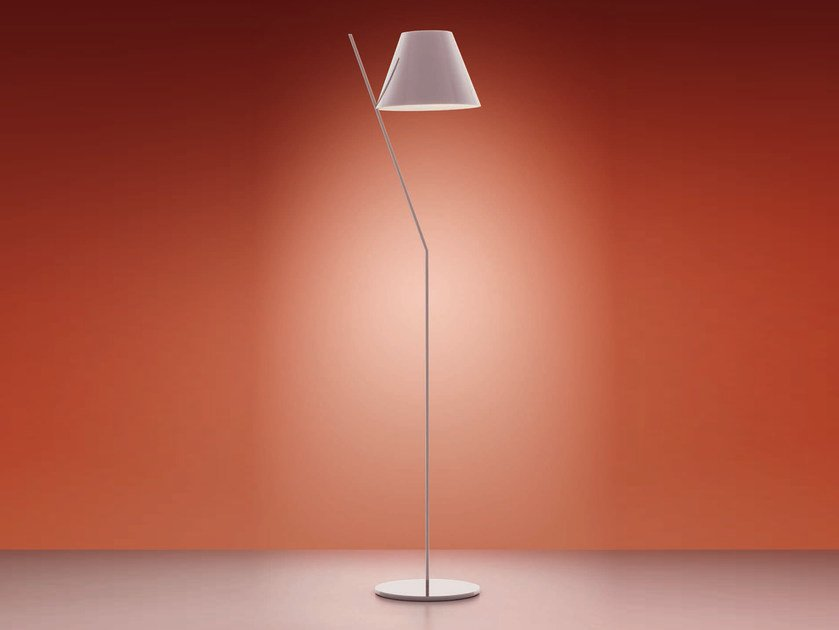 LED direct light methacrylate floor lamp LA PETITE | Floor lamp by Artemide