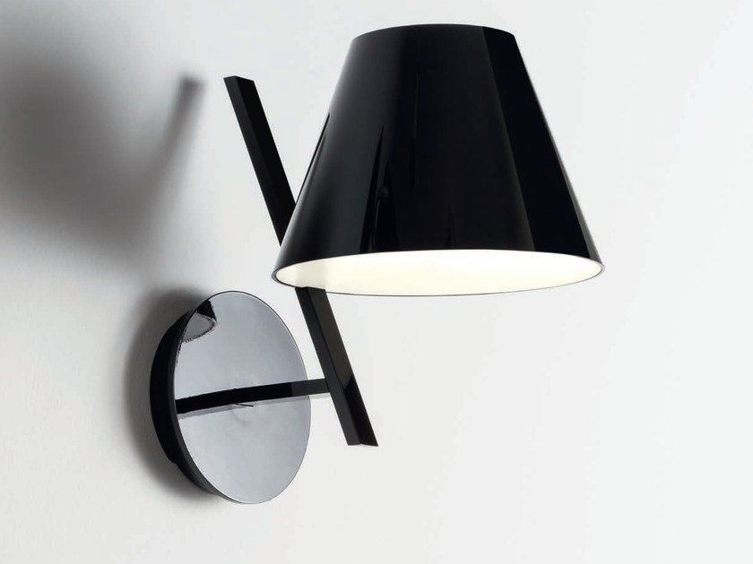 LED direct light polycarbonate wall lamp LA PETITE | Wall lamp by Artemide