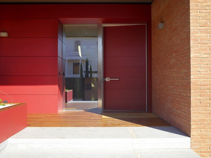 Exterior wooden safety door Lacqued exterior wooden safety door by CARMINATI SERRAMENTI