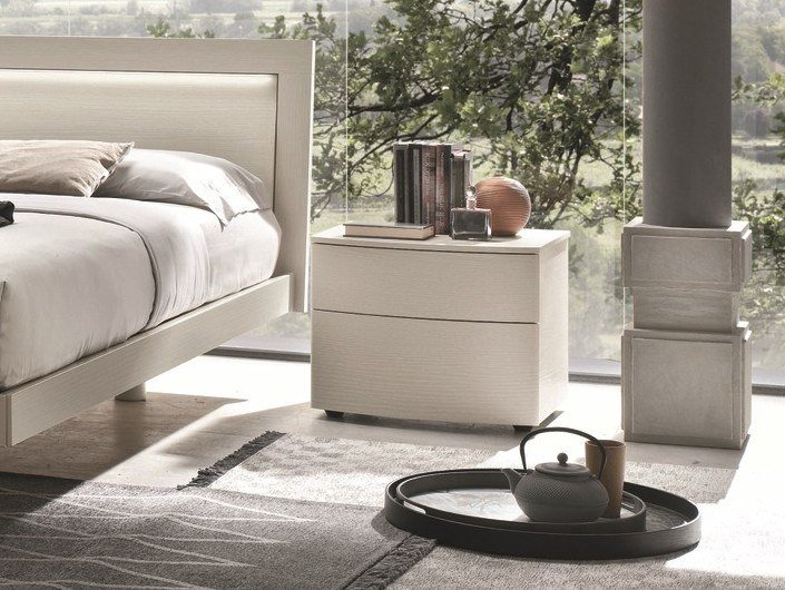 Lacquered rectangular bedside table PICCADILLY | Lacquered bedside table by Gruppo Tomasella