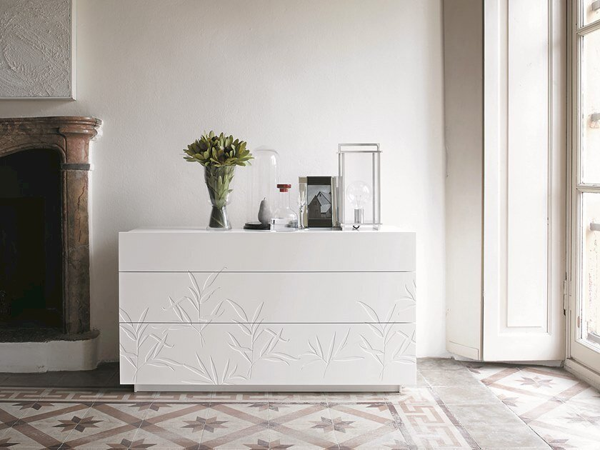 Wooden chest of drawers SHOW | Lacquered chest of drawers by Capo d'Opera