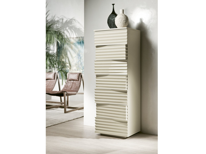 Free standing wood fibre chest of drawers TIFFANY | Lacquered chest of drawers by Pacini & Cappellini
