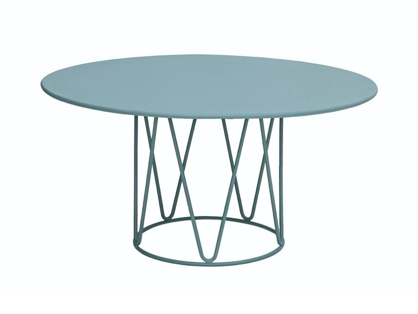Round garden side table LAGARTO | Coffee table by iSimar