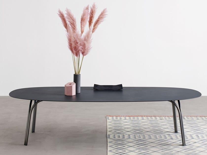 Oval ceramic table LAKE | Ceramic table by Desalto