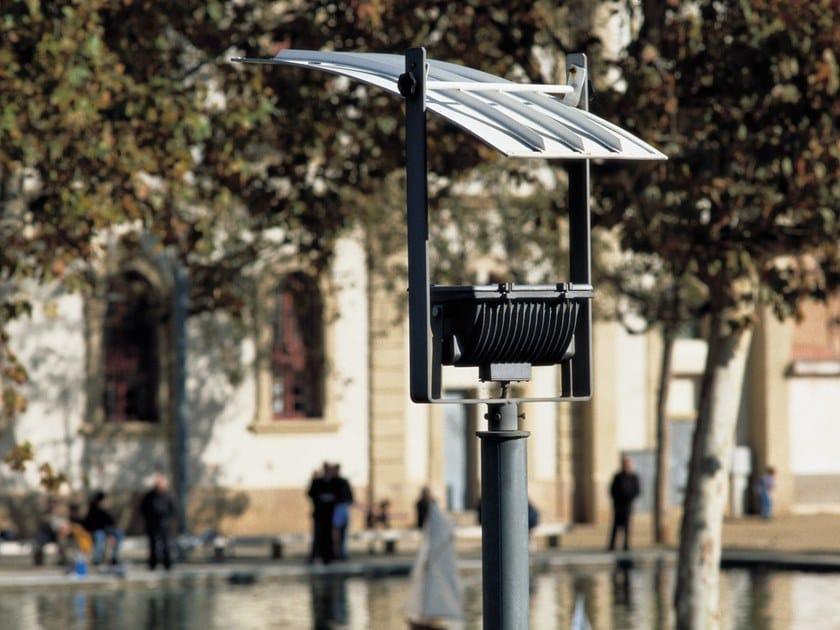 Lampione stradale a LED su palo in acciaio zincato LAMPARAALTA by URBIDERMIS