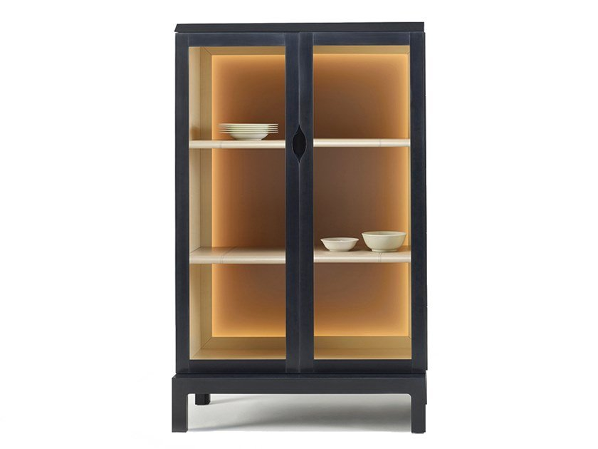 Wood and glass display cabinet LAOS | Display cabinet by Promemoria
