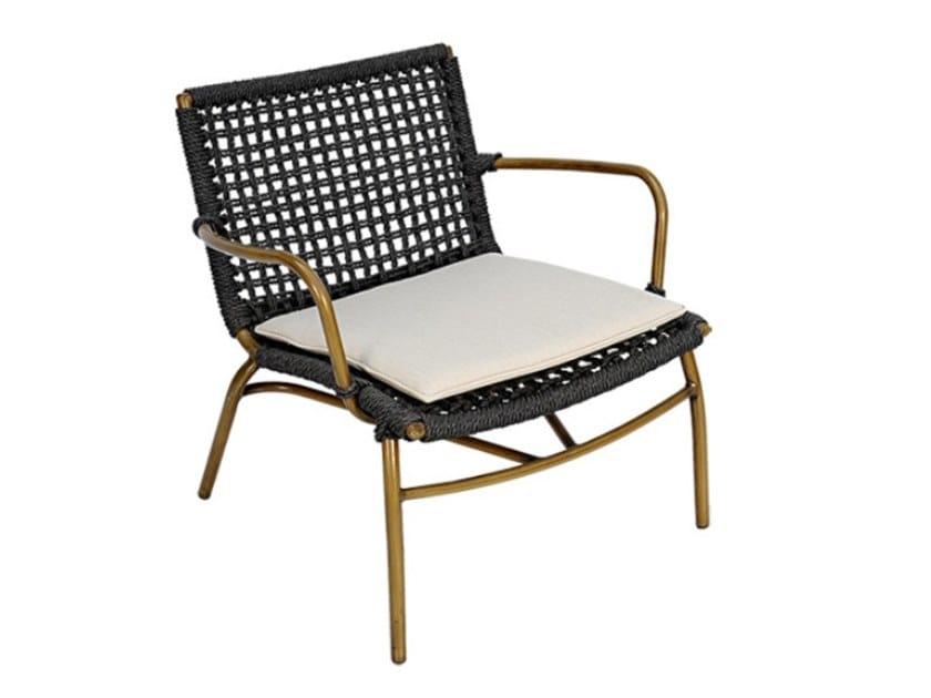 Garden synthetic fibre easy chair with armrests LARA WEAVING | Easy chair with armrests by cbdesign