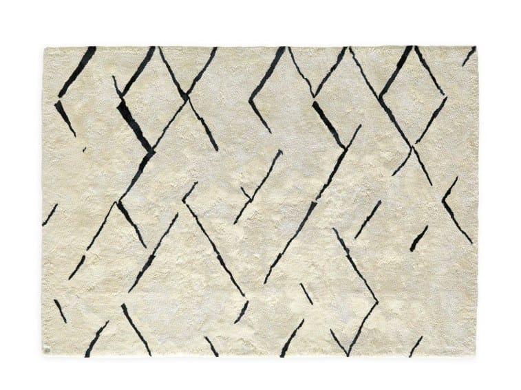 Linen rug LATEREM by OT Oliver Treutlein