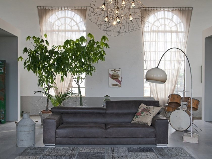 Recliner leather sofa with electric motion VILNIUS | Leather sofa by Gobbo Salotti