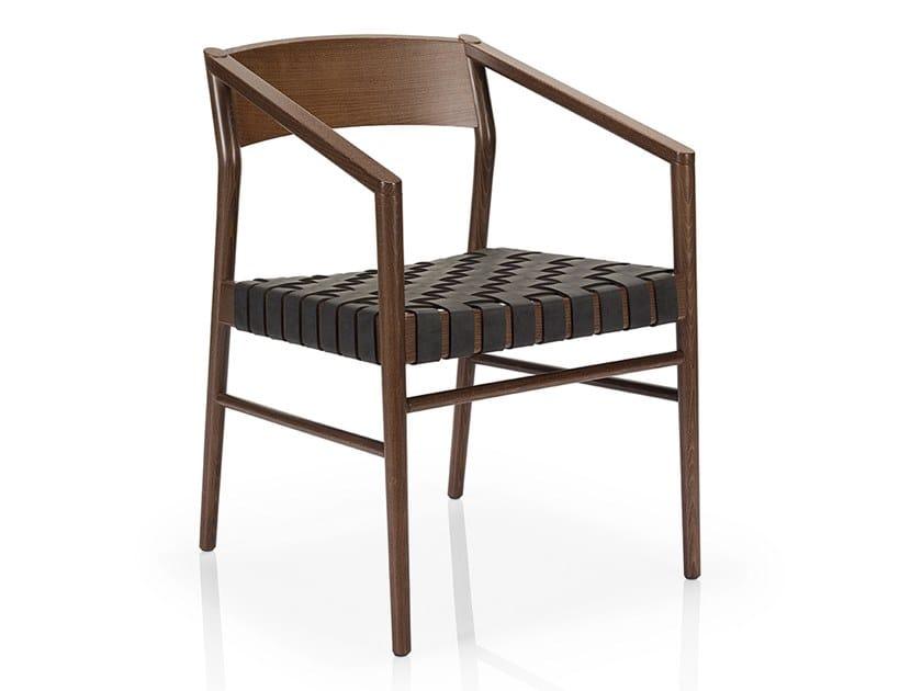 Sedie In Legno Con Braccioli : Sedia in legno massello con braccioli leonor m c uw collezione