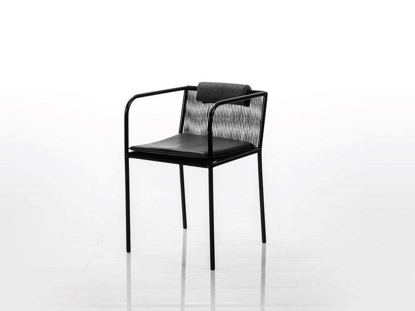 Chair with armrests LES COPAINS LOW | Chair with armrests by brühl