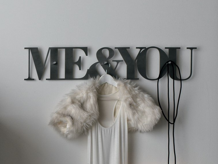Metal wall decor item LETTERING by Gruppo Tomasella