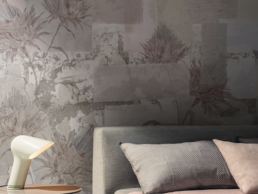 Wallpaper with floral pattern LEVIOSA by Wall&decò
