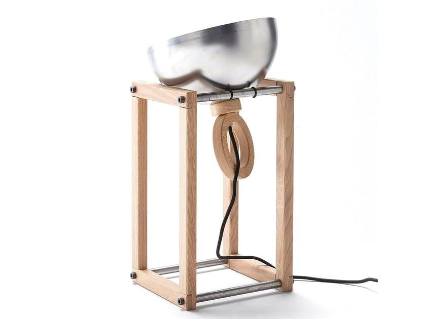 Lampada da tavolo orientabile in metallo LH22 by AltaCorte