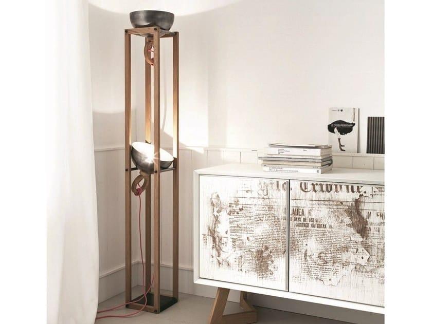 Lampada da terra a luce diretta e indiretta in legno LH24 by AltaCorte