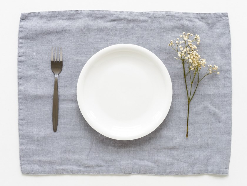 Rectangular washed linen placemat LIGHT GREY | Placemat by Linen Tales