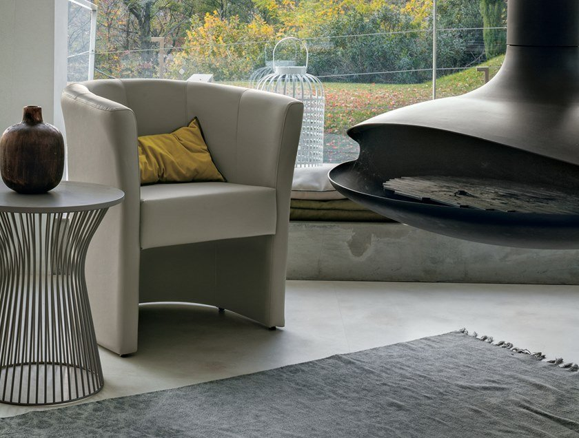 Leather easy chair LINDA by Gruppo Tomasella