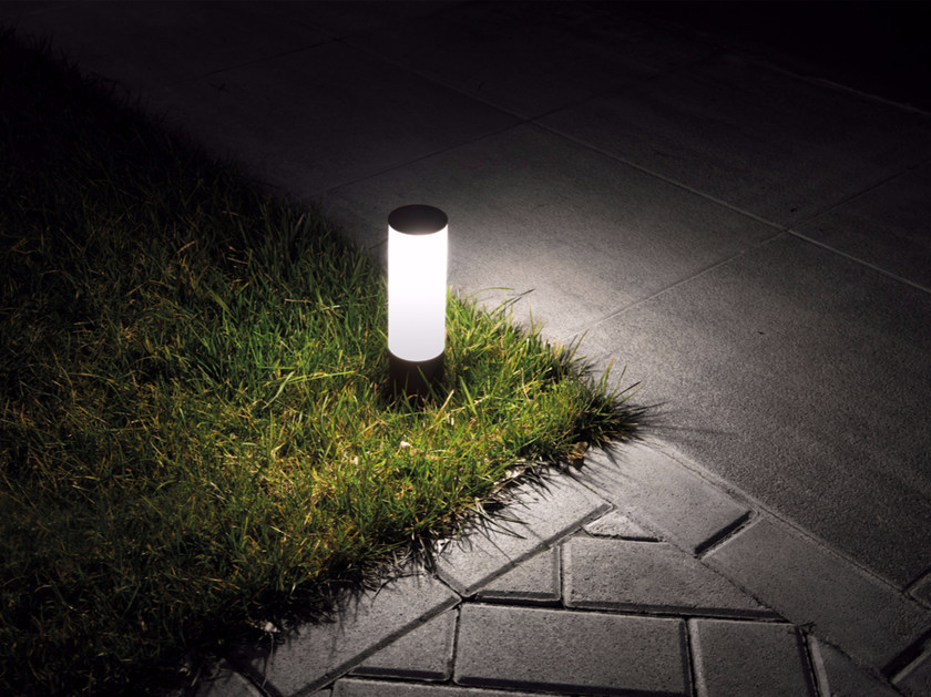 LED polycarbonate bollard light LINE DOWN by Lombardo