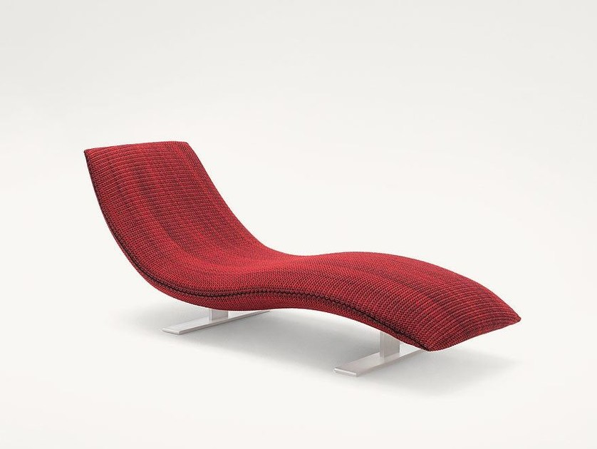 Polyester lounge chair LINEADUE by paola lenti