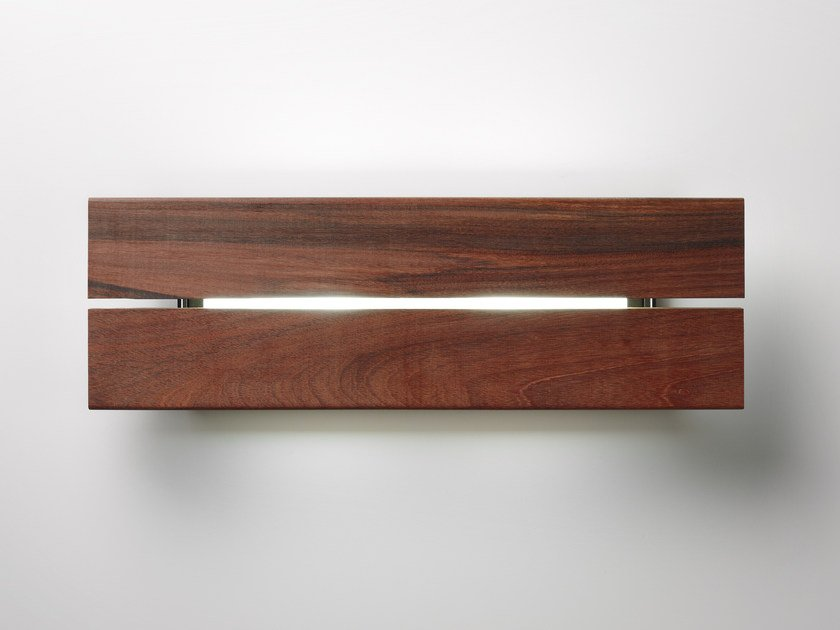 Applique per esterno a led lineana ipÉ by bover design christophe