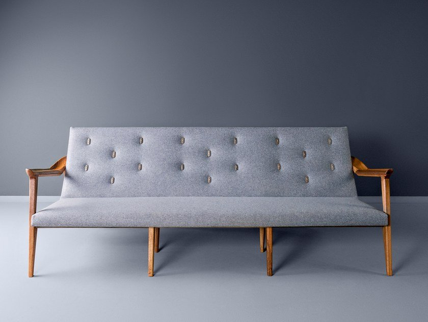 Tufted 3 seater fabric sofa LIPA | Sofa by HOOKL und STOOL