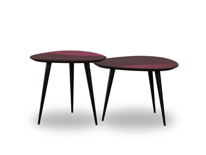 Tavolino laccato triangolare LIQUID COFFEE | Tavolino triangolare by BAXTER