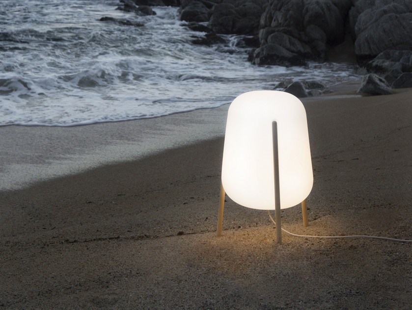 LED polyethylene Floor lamp LLUM by calma