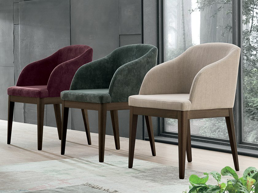Upholstered easy chair with armrests LOLA by Gruppo Tomasella