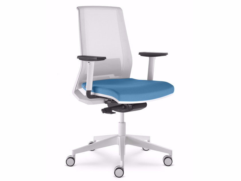 Ergonomic mesh task chair with 5-Spoke base with armrests LOOK 271-AT by LD Seating