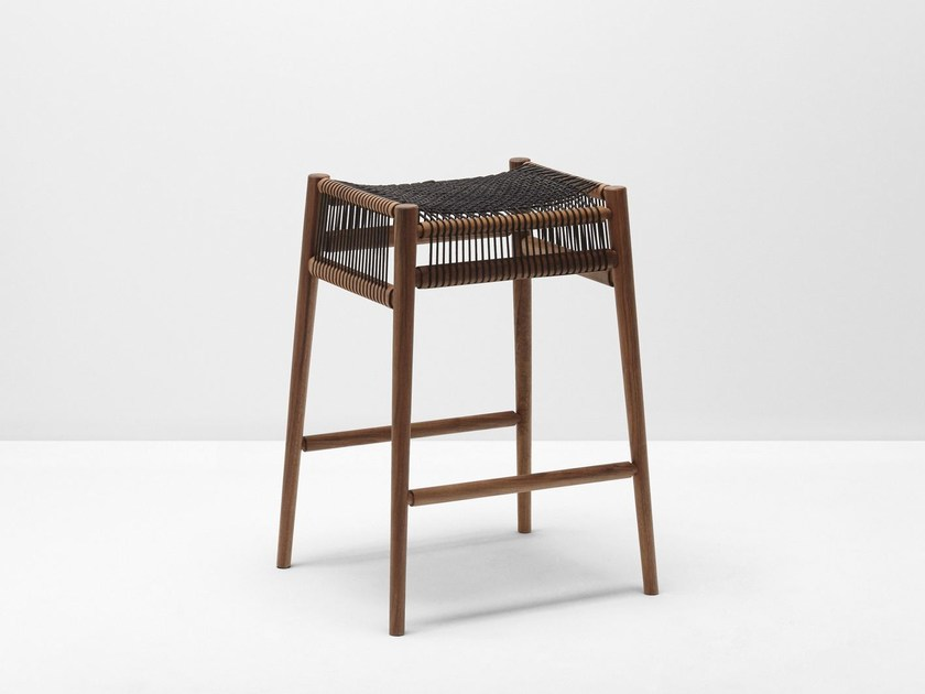 High walnut barstool with footrest LOOM | High stool by H Furniture