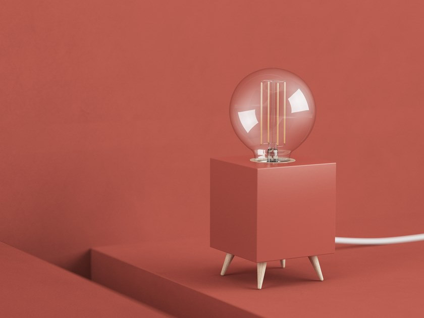 LED table lamp LOOMACUBE CC - TERRACOTTA RED by LOOMA