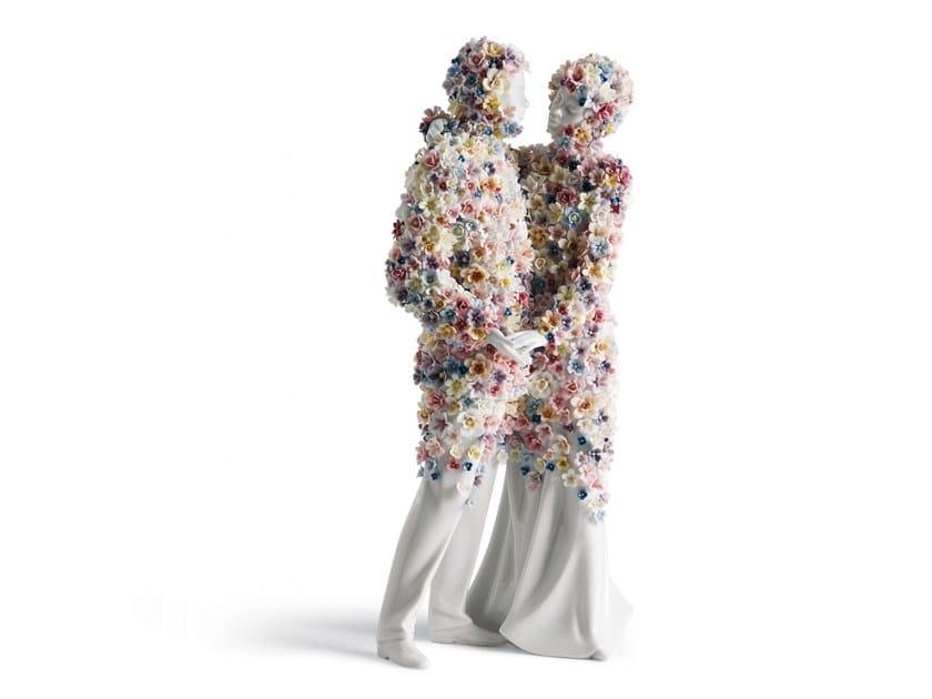 Porcelain decorative object LOVE III COUPLE by Lladró