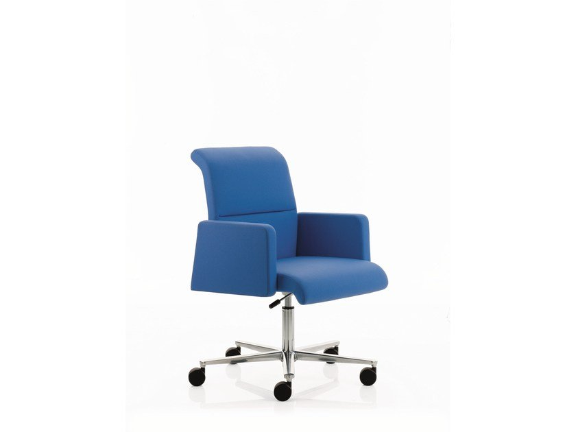 Executive chair with 5-spoke base with armrests MAX | Low back executive chair by Emmegi