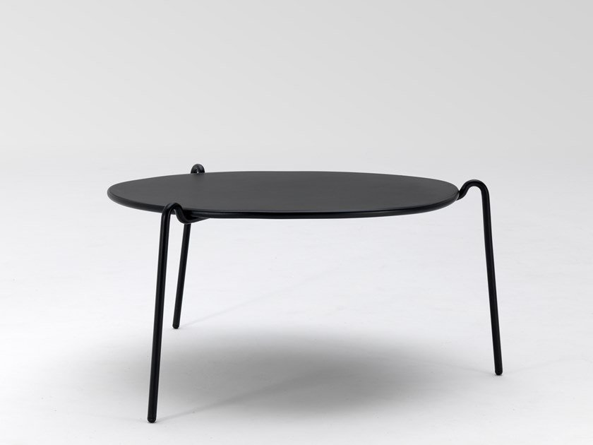Low round steel coffee table RIO R50 | Low coffee table by emu