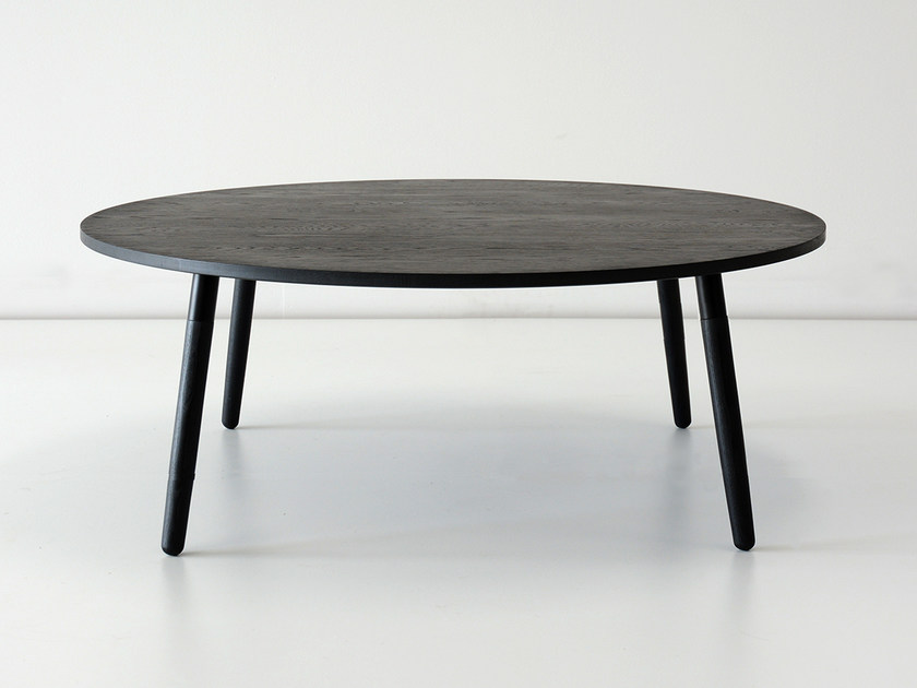 Low round solid wood coffee table CRESCENTTOWN | Low coffee table by hollis+morris