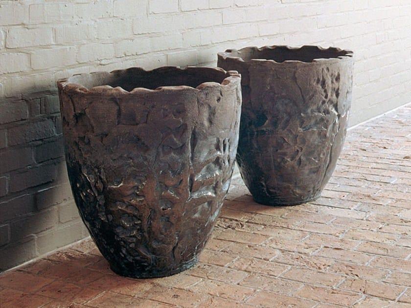 Terracotta garden vase LUANDA by Domani