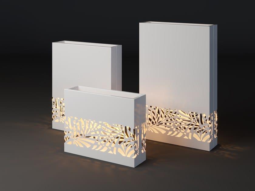 High metal planter with light LUMI LIF STRIP by Laubo