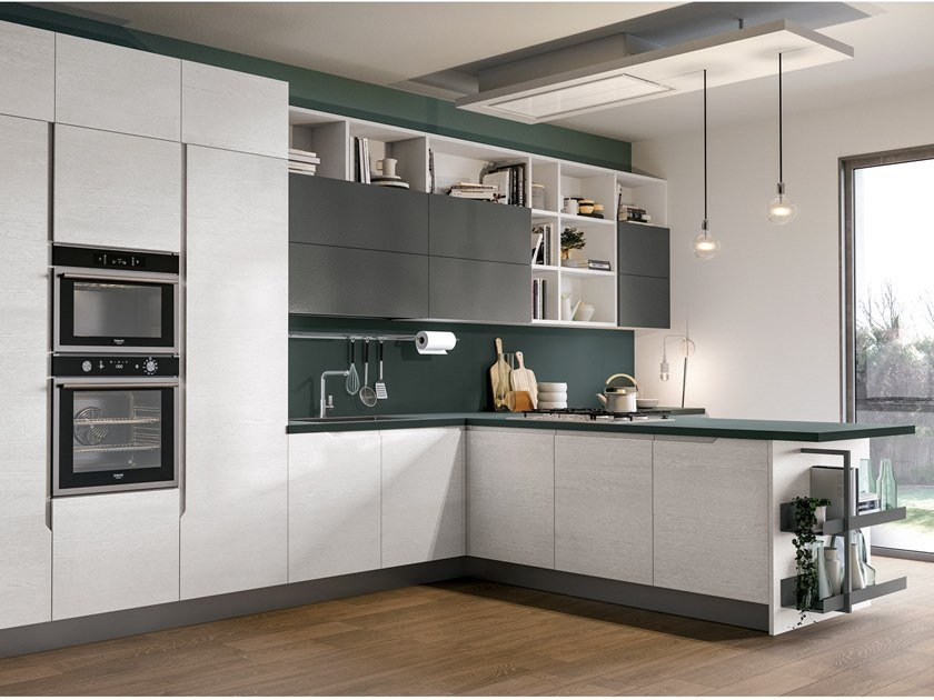 Fitted kitchen with peninsula LUNA | Fitted kitchen by Cucine Lube