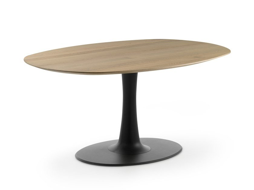 Oval wooden table LX627 | Wooden table by LEOLUX LX
