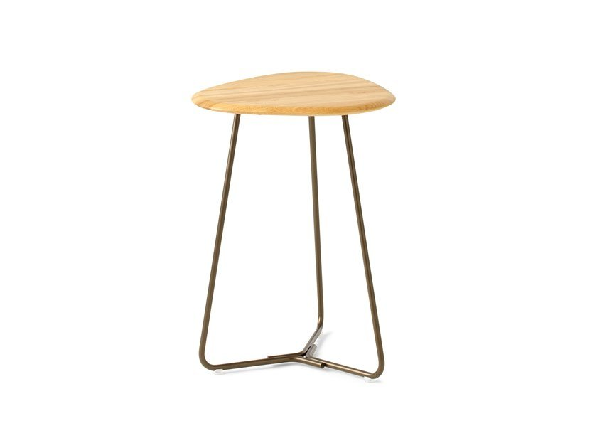 Triangular oak high side table LX646 | High side table by LEOLUX LX