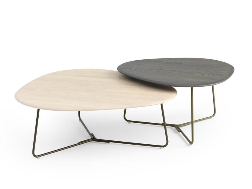 Low triangular oak coffee table LX646 | Low coffee table by LEOLUX LX