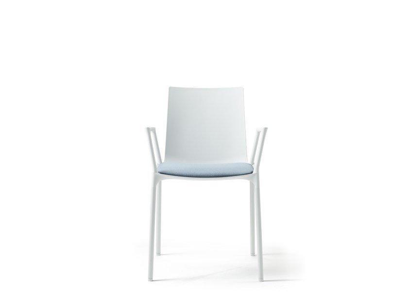 Stackable polypropylene restaurant chair with armrests MACAO | Restaurant chair by Wiesner-Hager