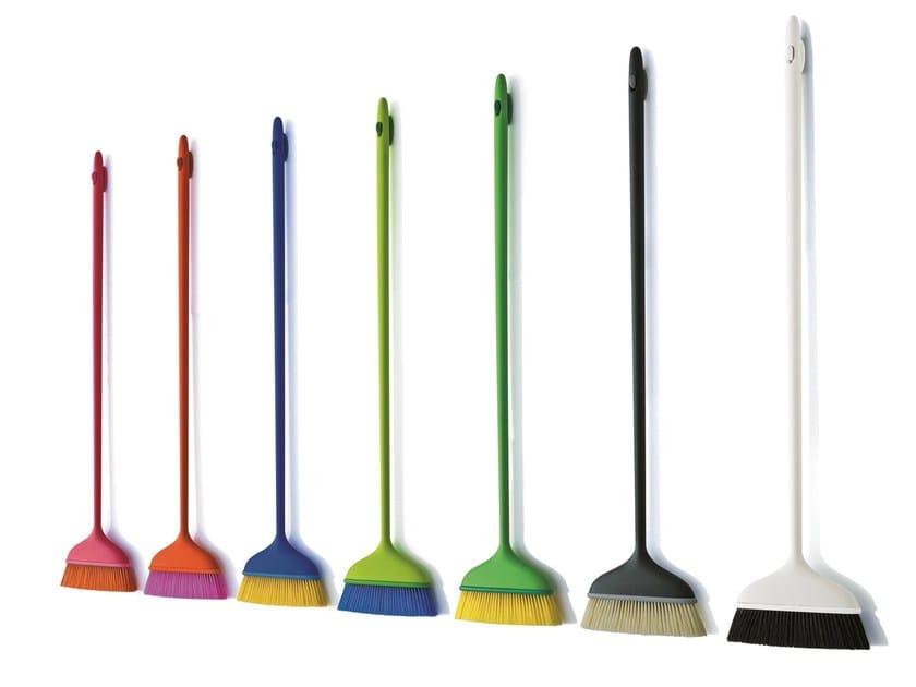 Broom MAGO' by Magis