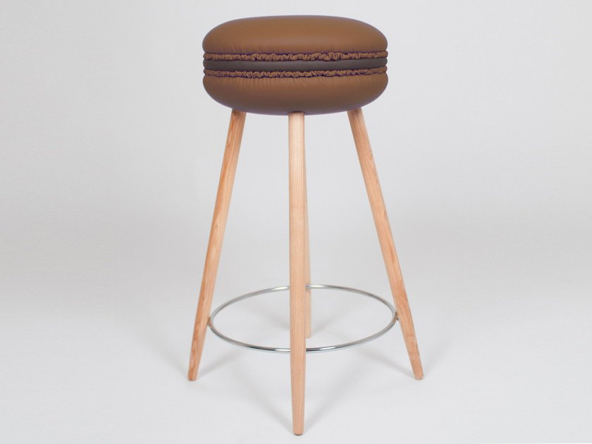 High upholstered imitation leather stool MAKASTOOL CHOCOLATE L by LI VING