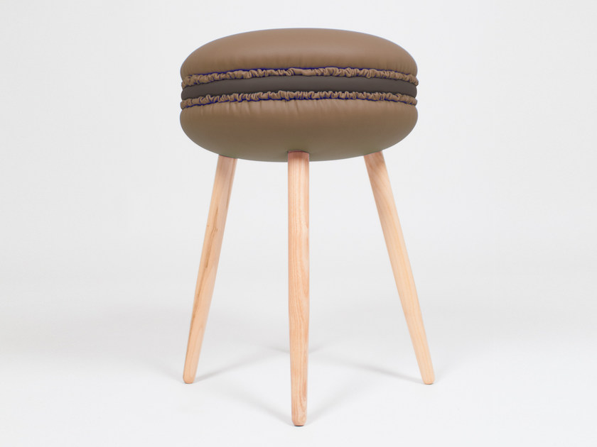 Low upholstered imitation leather stool MAKASTOOL CHOCOLATE S by LI VING