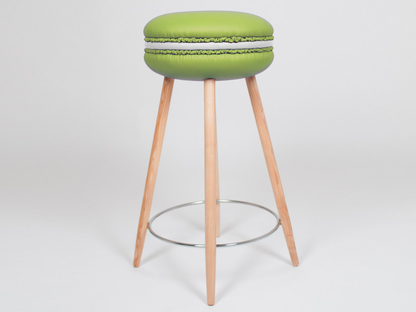High upholstered imitation leather stool MAKASTOOL MOJITO L by LI VING