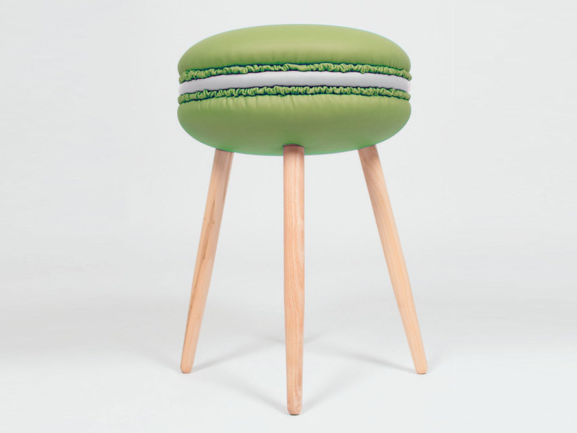 Low upholstered imitation leather stool MAKASTOOL MOJITO S by LI VING