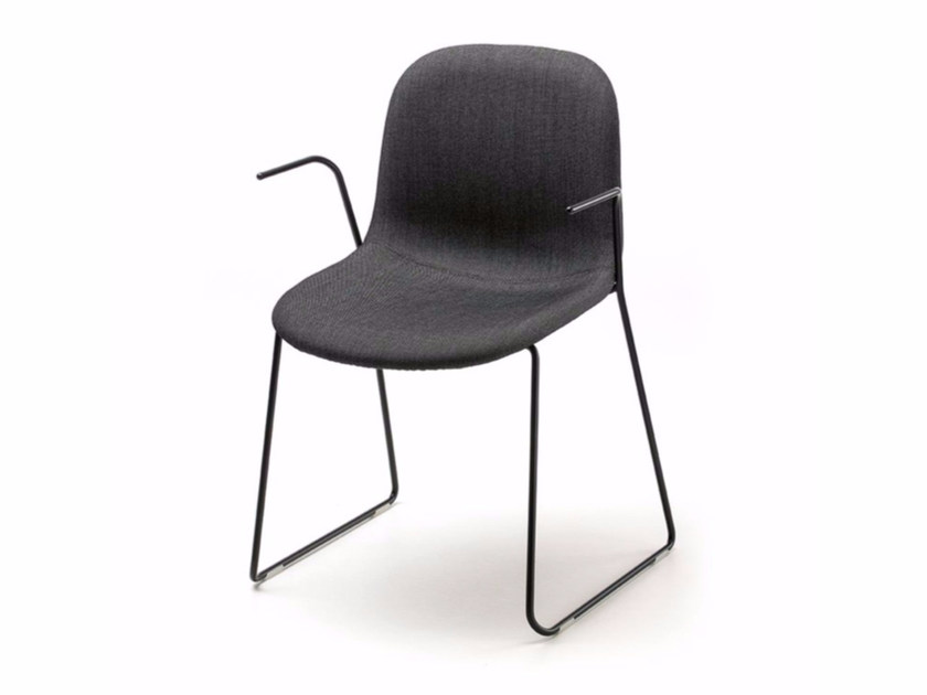Sled base stackable chair with armrests MANI AR-SL by arrmet