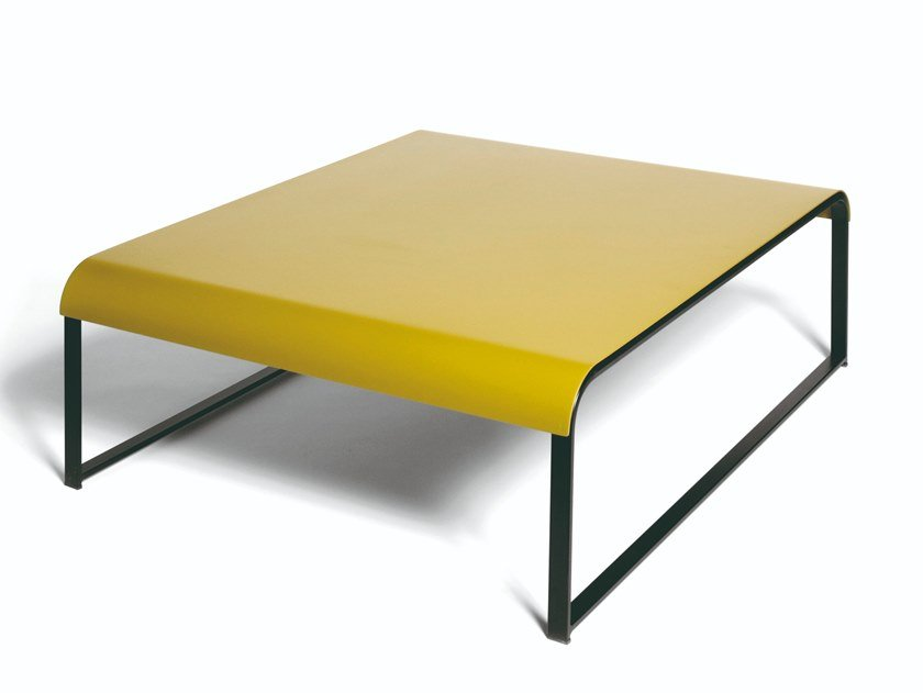 Sled base lacquered beech coffee table MANU 15 by Manganèse Éditions
